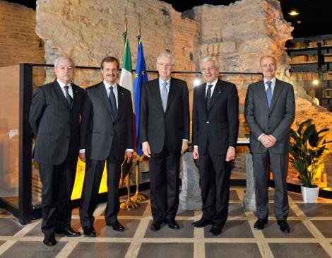 Aisi, Aula Magna: il Presidente del Consiglio, Mario Monti, inaugura l'Anno accademico della Scuola di formazione del Sistema di informazione per la sicurezza della Repubblica