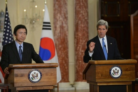 Secretary of State John Kerry and Foreign Minister Yun Byung-se of the Republic of Korea address reporters after their bilateral meeting at the U.S. Department of State in Washington, D.C., on April 2, 2013. State Dept Photo