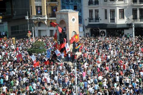 Turkish protesters gather in Taksim Square in Istanbul on June 1. (BULENT KILIC/AFP/Getty Images)