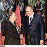 Mitterrand e Helmut Kohl nel 1987.