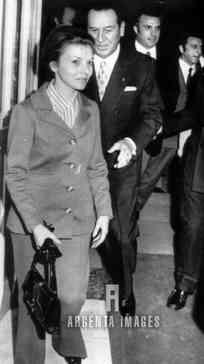 GEV alle spalle di Evita e Juan Peron di cui era grande amico.
