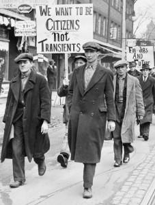 Manifestazione di protesta dei disoccupati a Toronto.